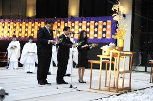 熊本県の代表の方と國學院大學学長・赤井益久さんによる玉串拝礼が行われました。